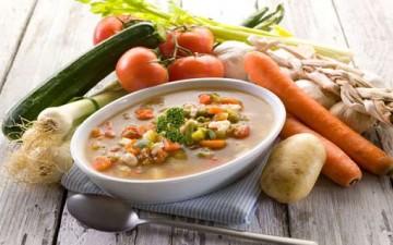 حساء الخضراوات في مطعم «لاكوتشينا»