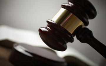 الديمقراطية والقانون