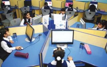 الطالب «شاهد وضحية» على «أزمة» المعلم مع التقنية