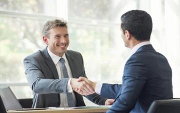 خطوات تمكنك من بدء حوار مثمر مع مديرك