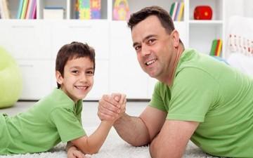 أيها الأب.. كُن صديقاً لإبنك