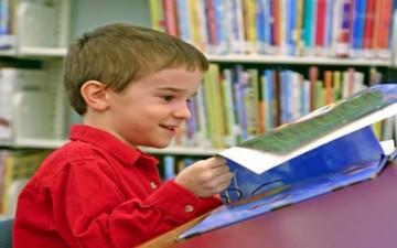 أهمية القراءة في نمو شخصية الطفل