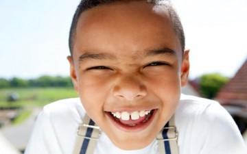 كيف تجعل طفلك يطيعك وهو مبتسم؟