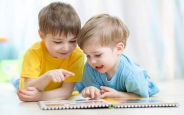 أهمية القراءة في تشكيل وعي الطفل
