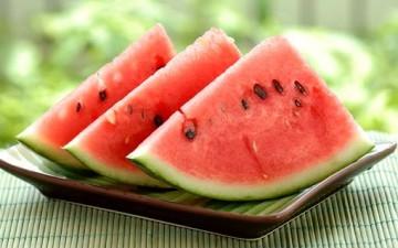 أيهما تفضل: البطيخ أم الرقي؟