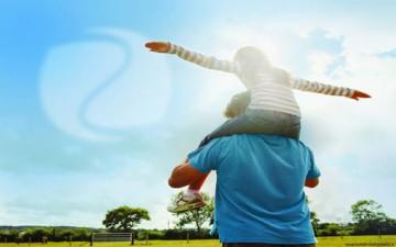 دور الأهل في تحقيق السعادة للأطفال