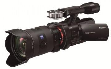 أول كاميرا فيديو بعدسات كاملة الإطار