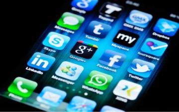 التأثيرات السلبية لشبكات التواصل الاجتماعي