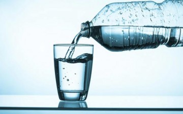 اشربوا الماء بطريقة ذكية لخسران الوزن