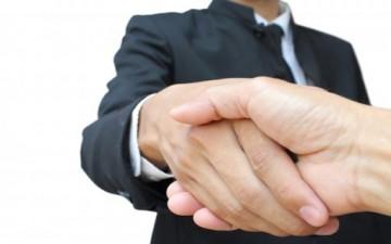 الذكاء العاطفي والعلاقة مع الآخرين