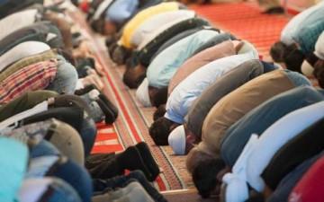 أثر الصلاة في الحياة الاجتماعية