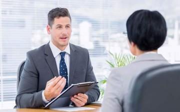 الإنصات الجيد مهم في مقابلات العمل
