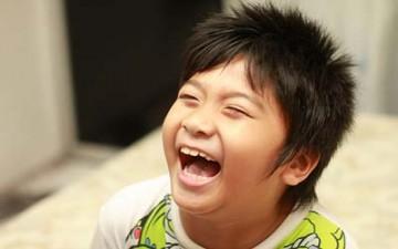 الضحك يخفف الوجع بحسب دراسة