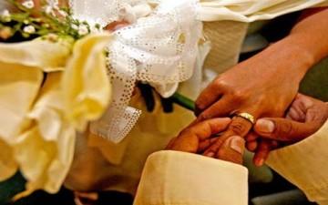 الزواج يجعل الناس أكثر سعادة حسب دراسة بريطانية