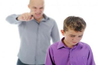 أشهر 8 أخطاء في التربية