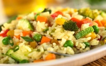 أرز بالدجاج والخضروات