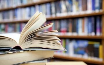 مطالعة الكتاب.. تنوير للعقل وإشراق للبصيرة