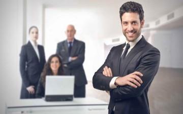 بين المدير والموظفين.. أكثر العلاقات تعقيداً
