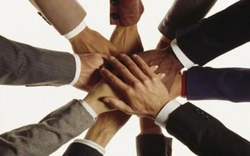 تشجيع العمل الجماعي