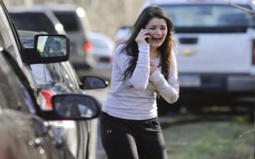 مسلح یقتل ٢٨ شخصا بینهم والدته و٢٠ طفلا فی مدرسة ابتدائیة