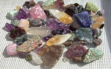 الأحجار الكريمة و معانيها