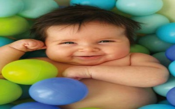 عائلة بريطانية ترزق بالمولودة الأنثى الأولى منذ أكثر من قرن