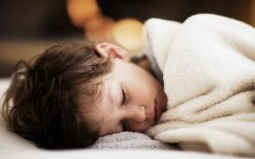 أهمية النوم للطفل