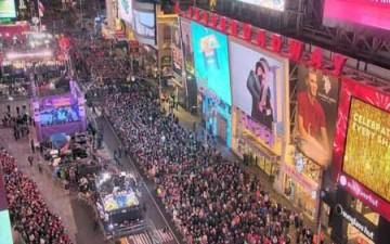 كاميرات رقمية تنقل احتفالات رأس السنة
