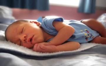 ما الذي يعوق نوم الطفل؟