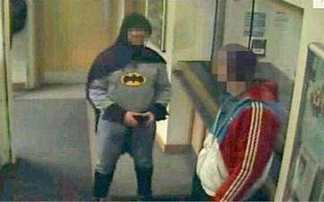 «باتمان» البريطاني.. كان مجرد مزحة