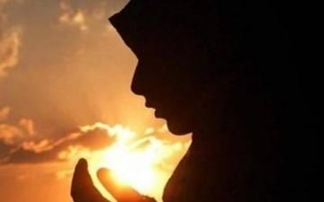 دعاء اليوم الخامس: (اَللّهُمَّ اجْعَلْني فيهِ مِنَ الْمُسْتَغْفِرينَ، وَاجْعَلْني فيهِ مِنْ عِبادِكَ الصَّالِحينَ اْلقانِتينَ،...)