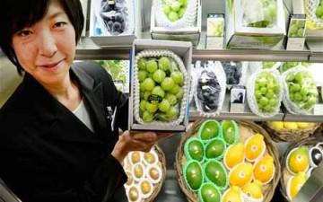 عنقود عنب يباع في اليابان بـ 80 ألف يورو