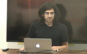 انتحار معجزة «الإنترنت» آرون شوارتز عن عمر يناهز 26 عاماً