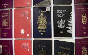 جوازات السفر.. ألوان وأسرار وصور متحركة