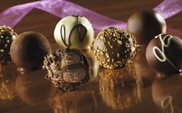 كرات الشوكولا الهشة