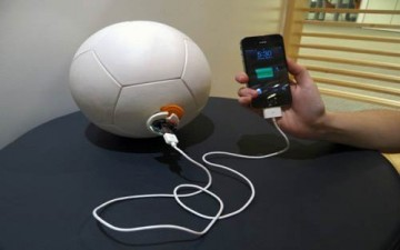 توليد الكهرباء عن طريق لعب كرة القدم