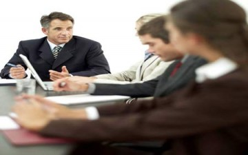 ممارسات خاطئة تؤثر في بيئة العمل