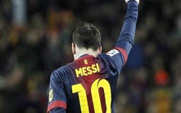 ميسي يغادر برشلونة قبل المعركة الحاسمة في انطلاق 2013