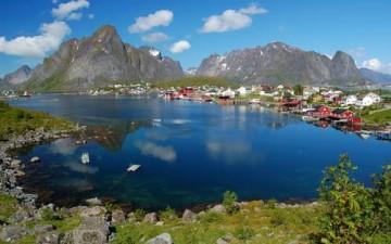 بناء أكبر فندق عائم فى أوروبا شمال النرويج