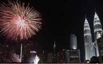 القارة الآسيوية تحتفل بعام 2014 (بالصور)