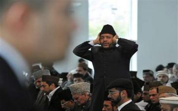 قناة بريطانية تذيع آذان الفجر طيلة شهر رمضان
