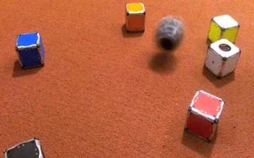 روبوت أمريكي يجمع نفسه بنفسه