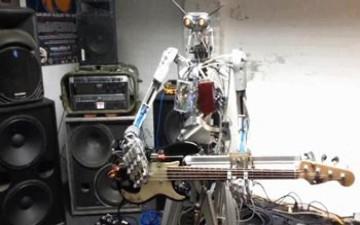 روبوتات تحيي أول حفل موسيقي بالعالم