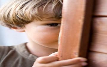 الشعور بالخجل عند الأطفال