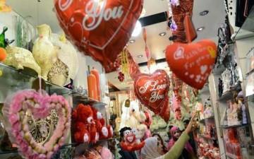 عيد الحب.. احتفال وتجارة